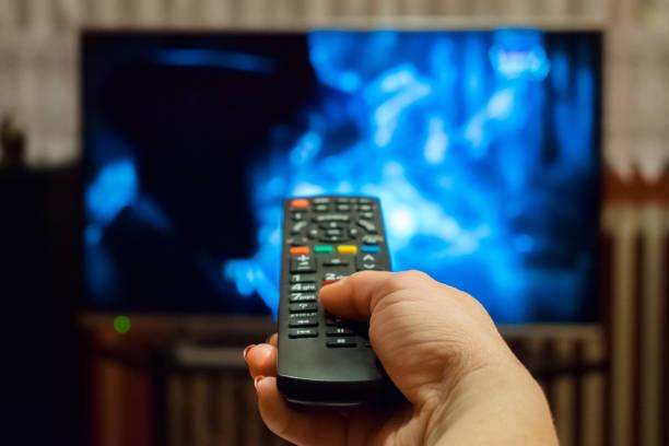 Nie, napisy nie pomagają! Jak i po co oglądać filmy i seriale po angielsku